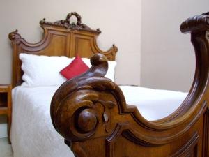 Louis XVI bed wood close