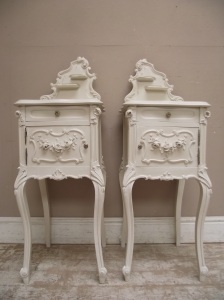 STUNNING PAIR OF ANTIQUE FRENCH BEDSIDE TABLES WITH SHELVES - ROCOCO STYLE C.1900